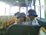 スクールバスの車中